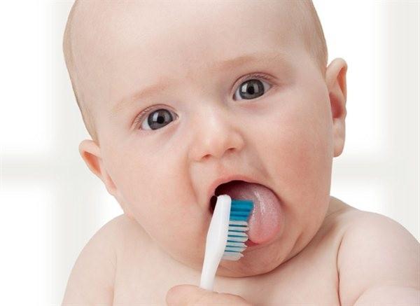 Jak dbać o jamę ustną naszych najmłodszych pociech?